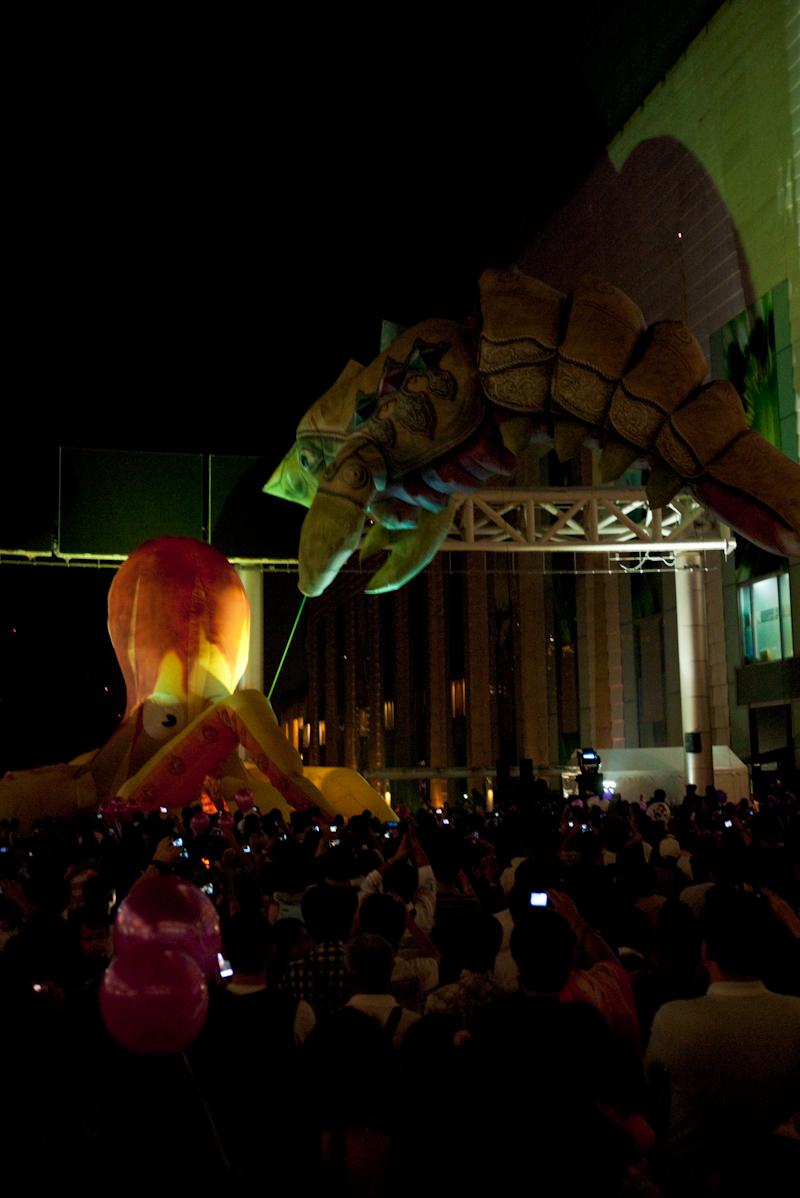 Octopus Lobster Flying Fantasy Balloons Fight - Bangkok, Thailand - Daily Travel Photos
