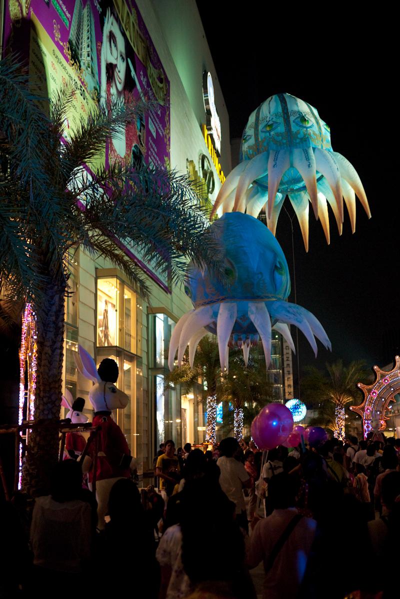 Flying Fantasy Octopus Balloon Sea Creatures - Bangkok, Thailand - Daily Travel Photos